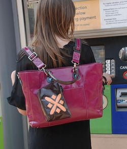 15 inch messenger backpack